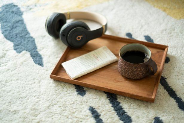 コーヒーとチョコレートとヘッドフォン